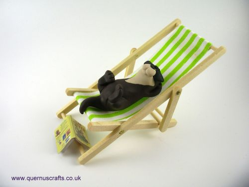 Little Sunbathing Otter on Deckchair QL9