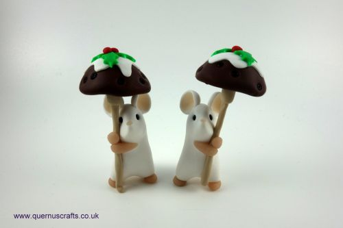 Little Christmas Pudding Toadstool Mouse QCL