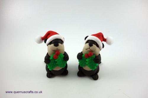Little Holly Santa Otter Shelf Ornament QCL