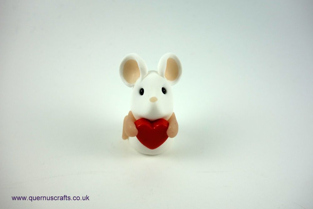 Tiny Love Mouse (Red Heart)