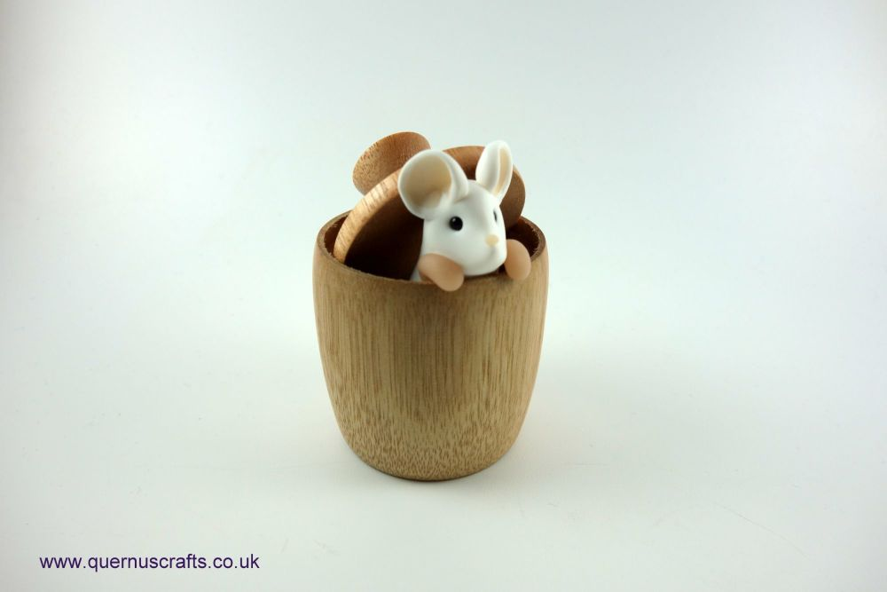Little Mouse in Mouse Pot