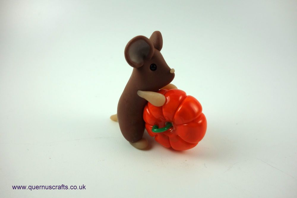 Little Mouse with Glass Pumpkin