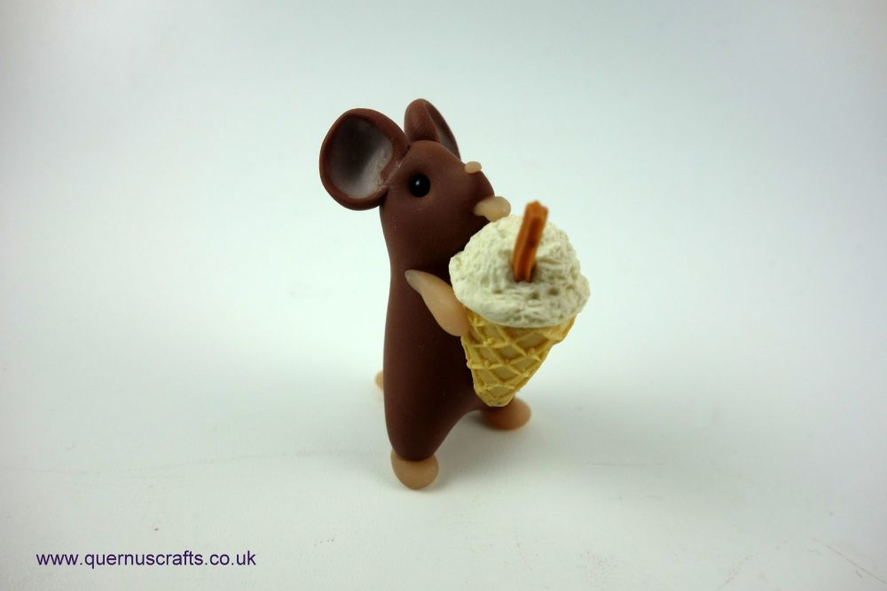 Little Ice Cream Mouse (Flake)