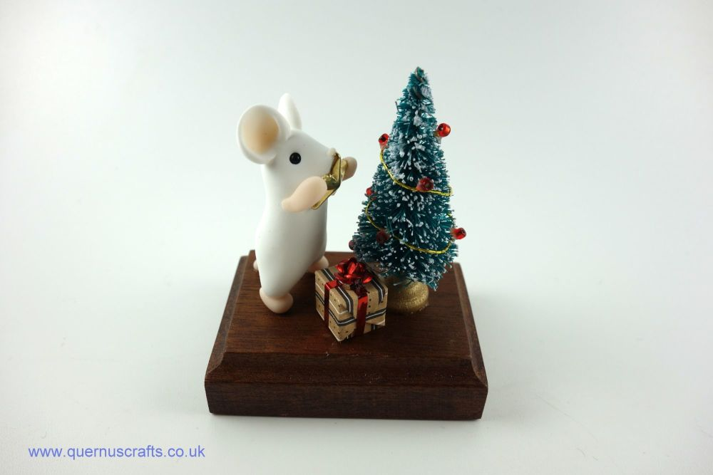 Dressing the Tree Mouse (Red Ribbon)