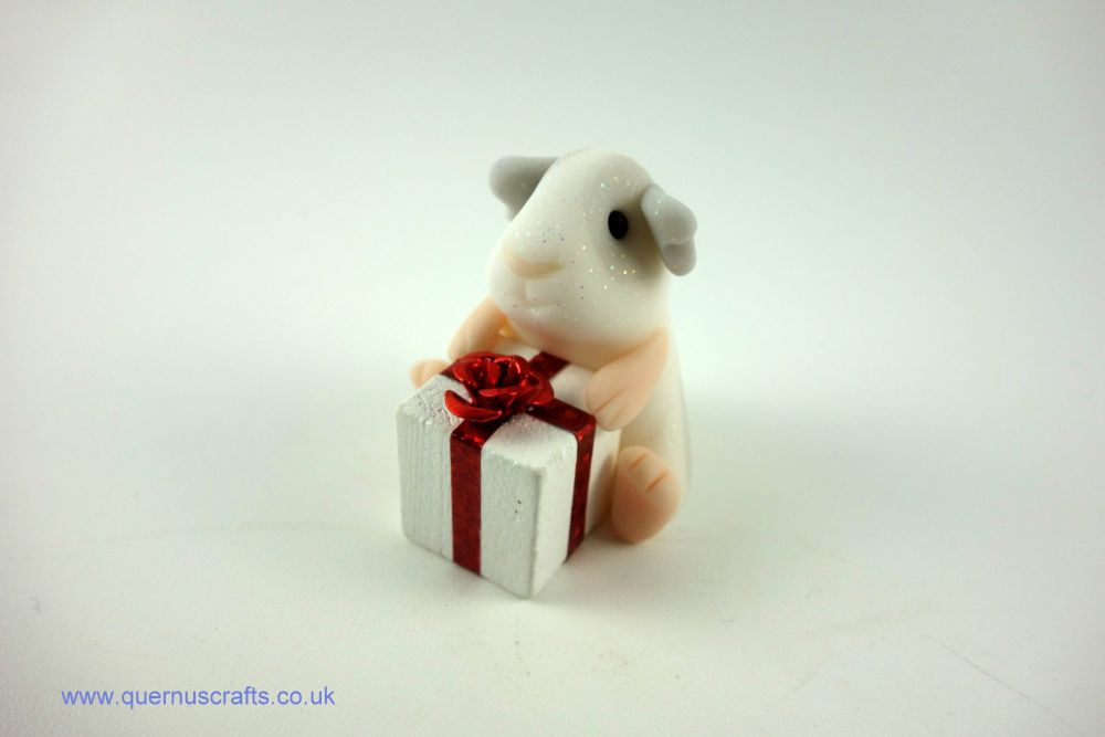 Little Guinea Pig with White Gift