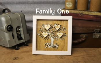 Family/Grandchildren Oak Tree.  Fits up to 8 Hearts.
