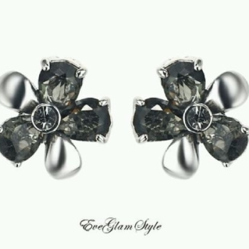 Silver matt effect Flowers Women earrings black crystal stones