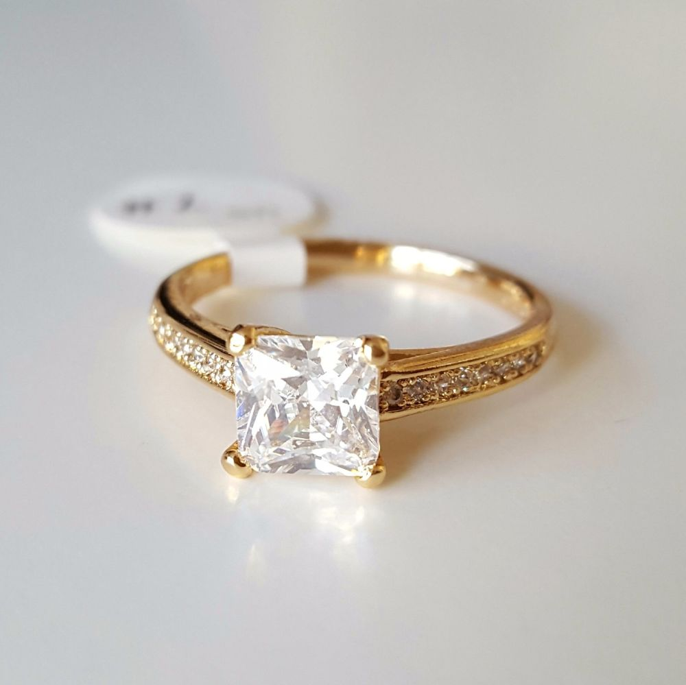 Real Gold Plated Ring With Cubic Zirconia And Crystal Stones