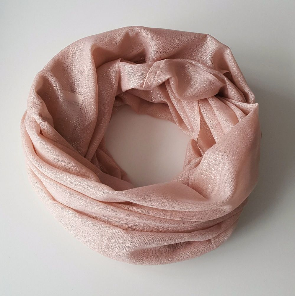 Light Poudree Pink Women Oversize Snood With Sparkle