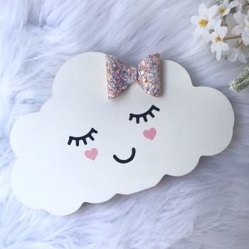 Free Standing Cloud With Bow