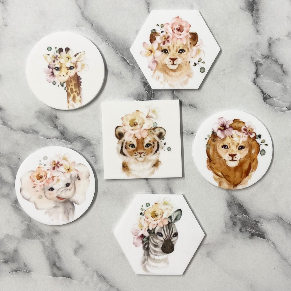 PRETTY IN PRINT - Animal with flower crown