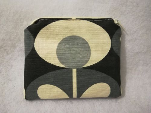 Coin purse made with Orla Kiely fabric - Grey and Black