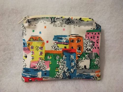 Coin purse made with Cath Kidston Town houses fabric - White