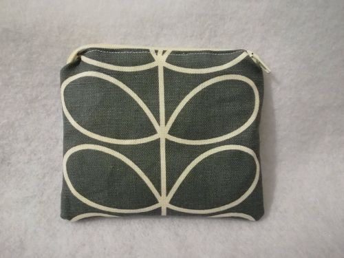 Coin purse made with Orla Kiely fabric - Grey