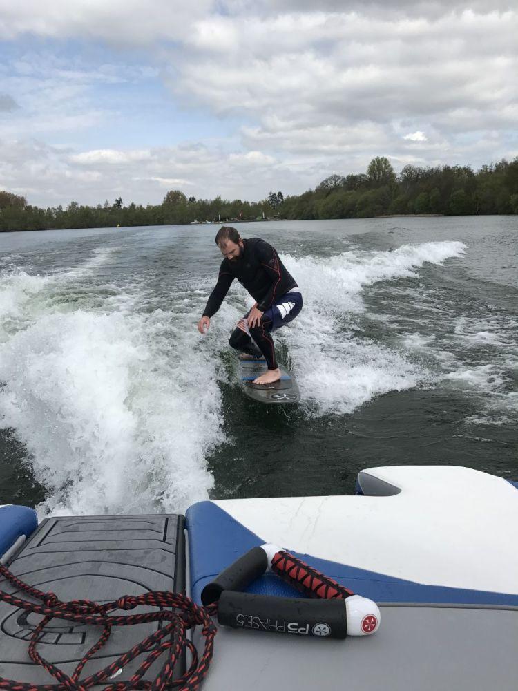 Ellingham wakesurf