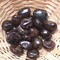 Tumblestone - Garnet