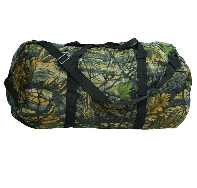 Camouflage Hunting Holdall. Large strong holdall with detachable shoulder s