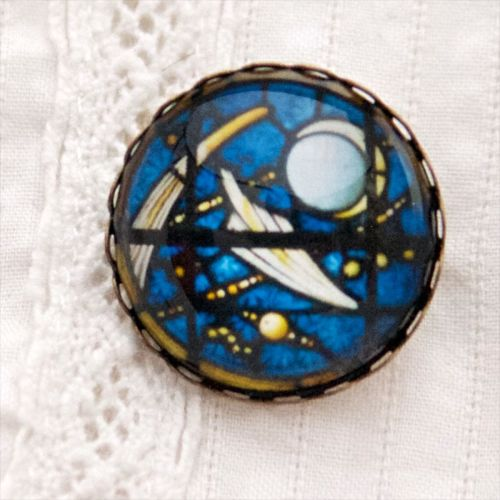 Stained glass brooch, blue