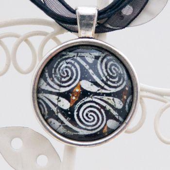 Minoan Kamares ware swirl motif, pendant