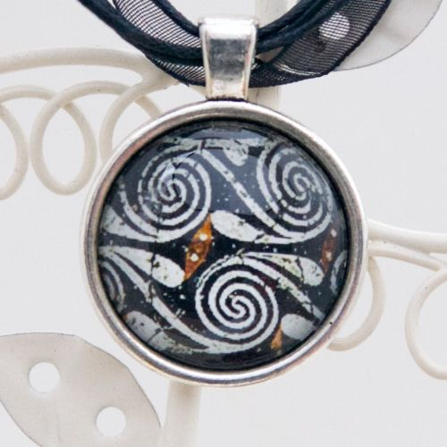 Kamares ware swirl motif, pendant necklace