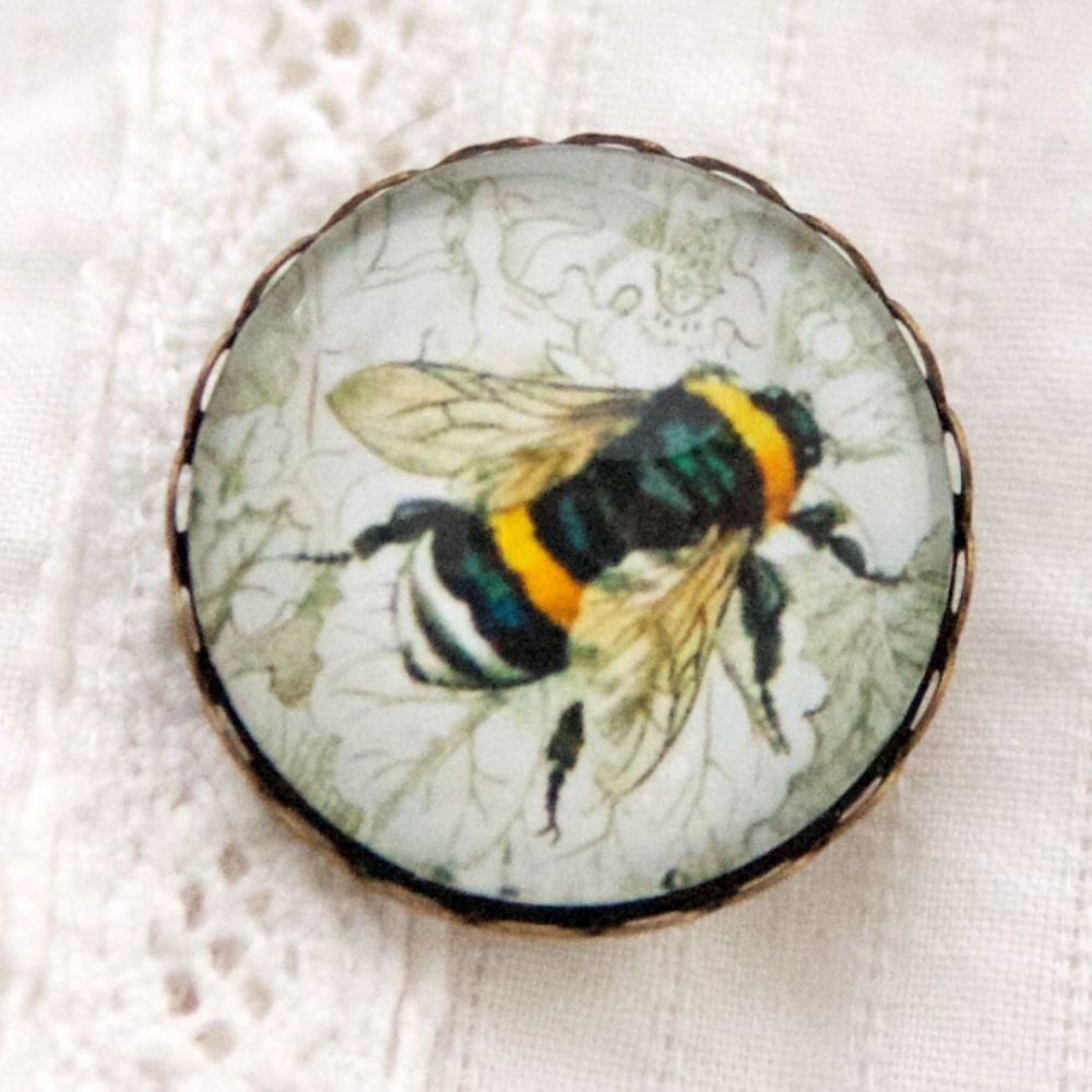 Humble bee brooch