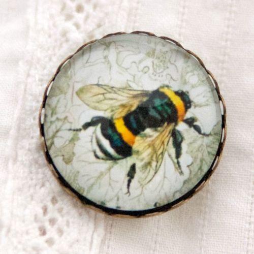 Humble bee brooch