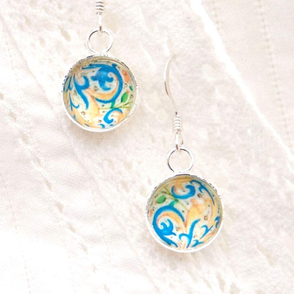 Bourdichon flourish motif earrings