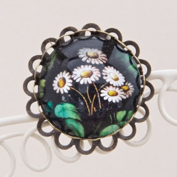 Victorian stained glass daisies brooch