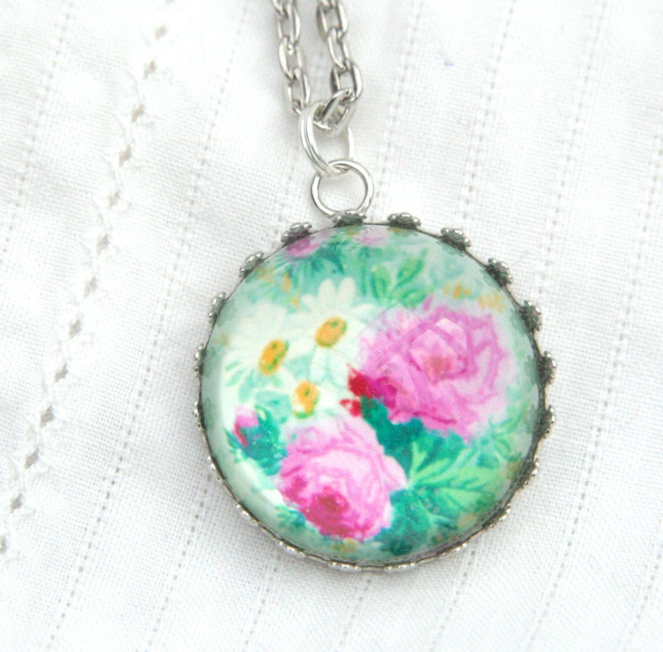 'Arsenical wallpaper' Victorian floral deep glass pendant