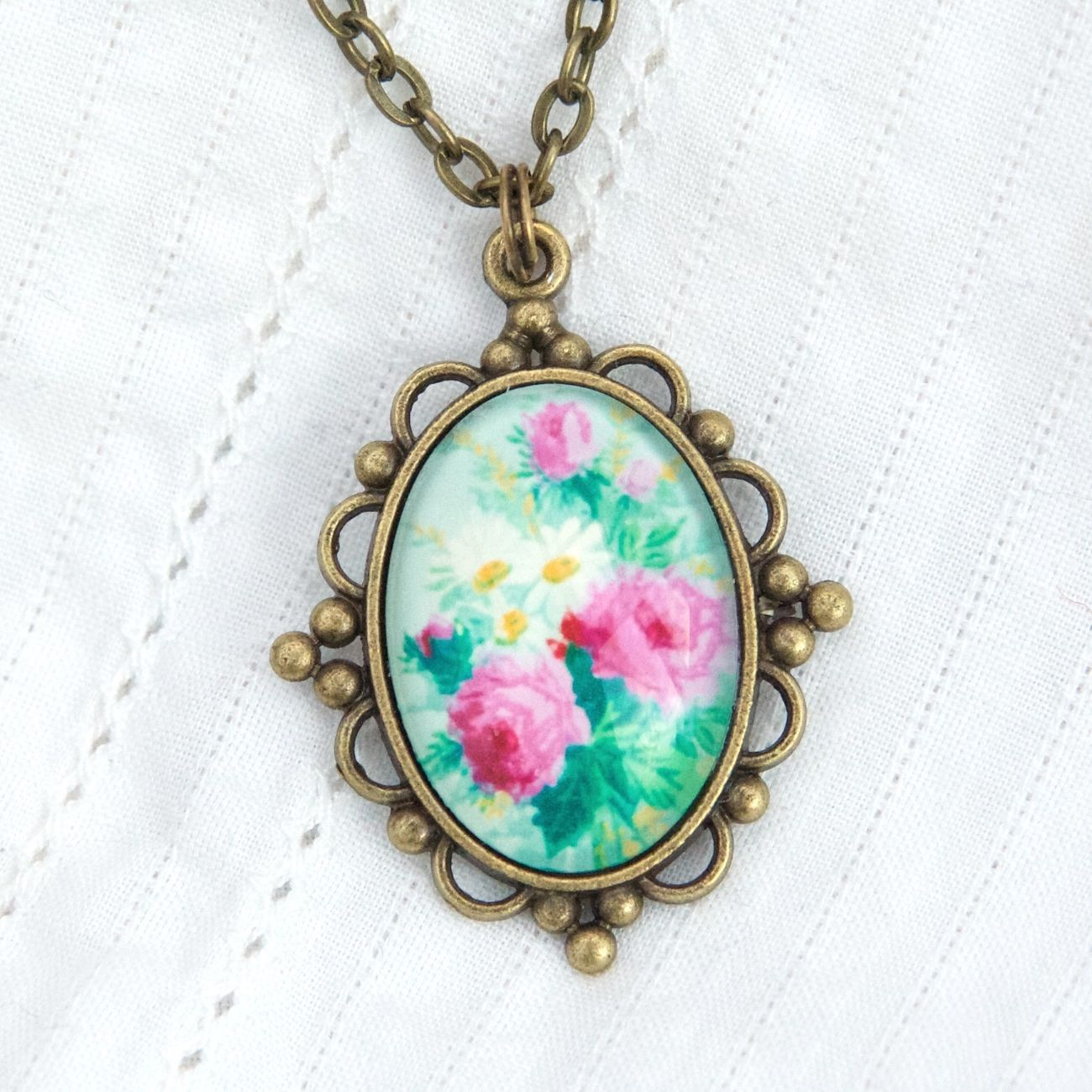 Victorian 'Arsenical wallpaper' floral oval pendant