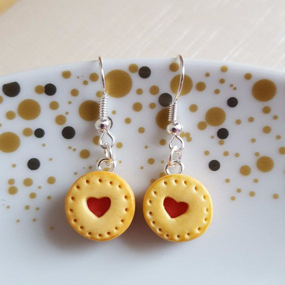 Biscuit hook earrings