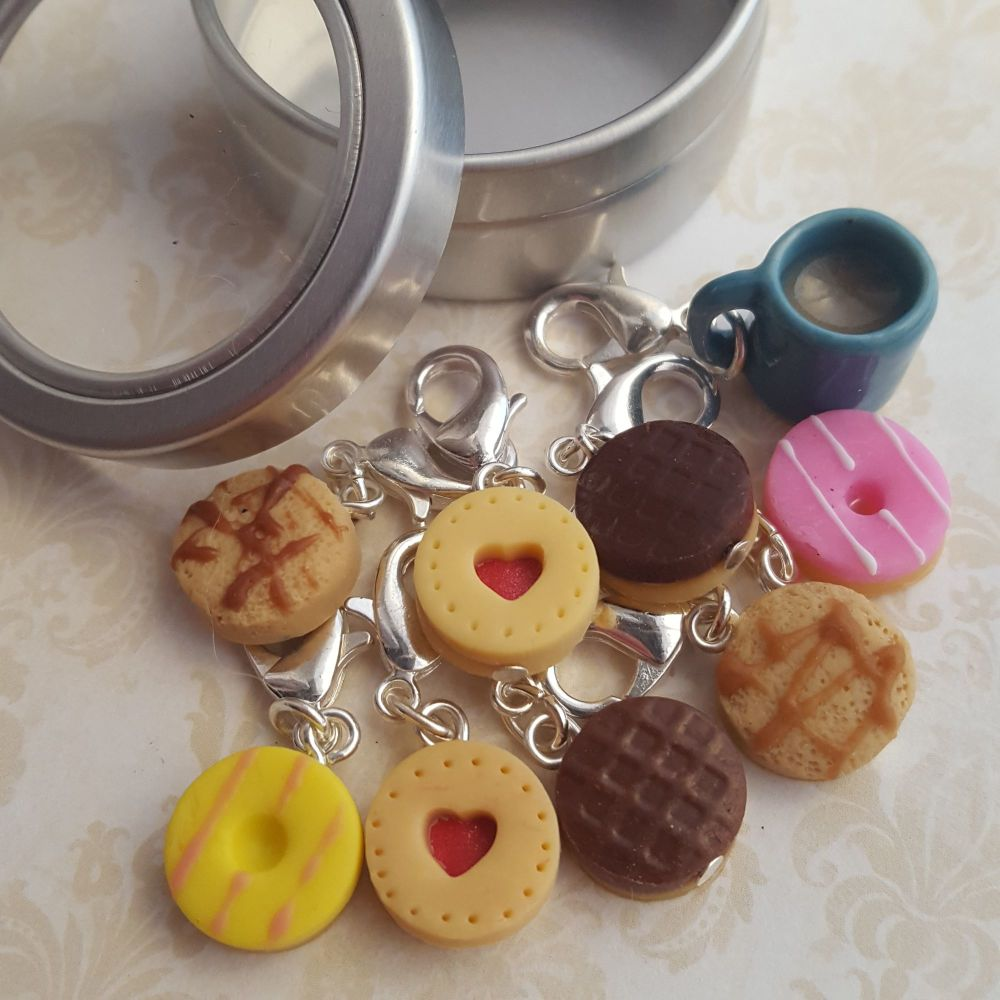 Biscuit tin knitting stitch markers
