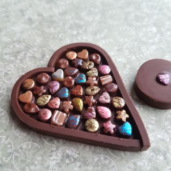 Chocolate Box Needle Minder