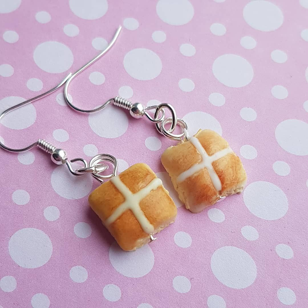 Hot Cross Bun Earrings (Dangly)