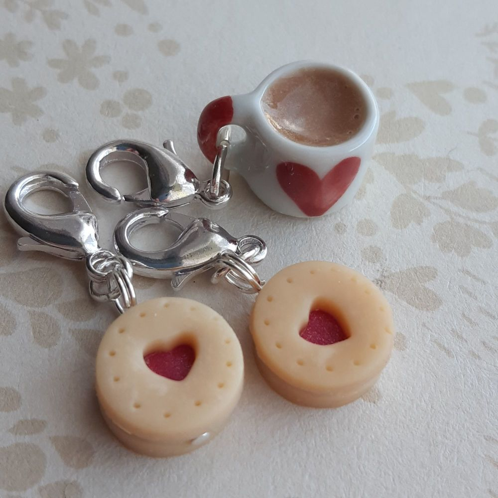 Small stitch marker set with mug and biscuits