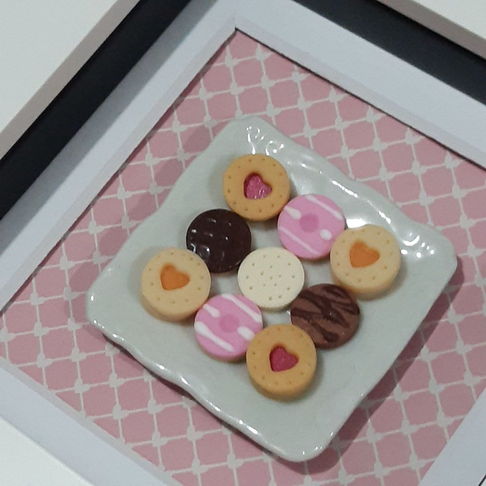 Square plate of biscuits (Pink background)