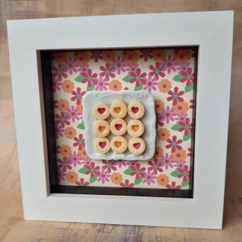 Square plate of biscuits (Flower background)