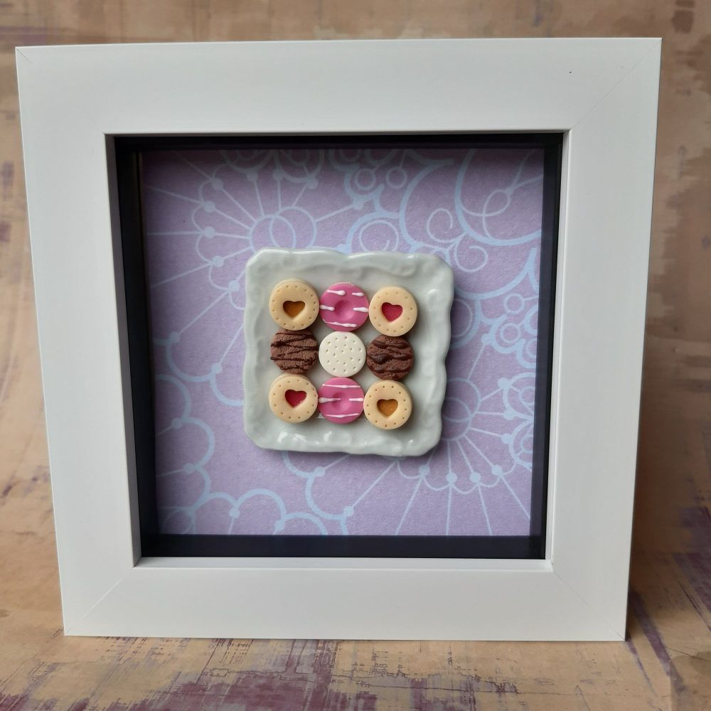 Square plate of biscuits (Floral)