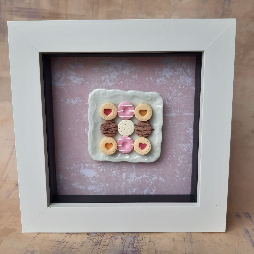 Square plate of biscuits (Marbled background)