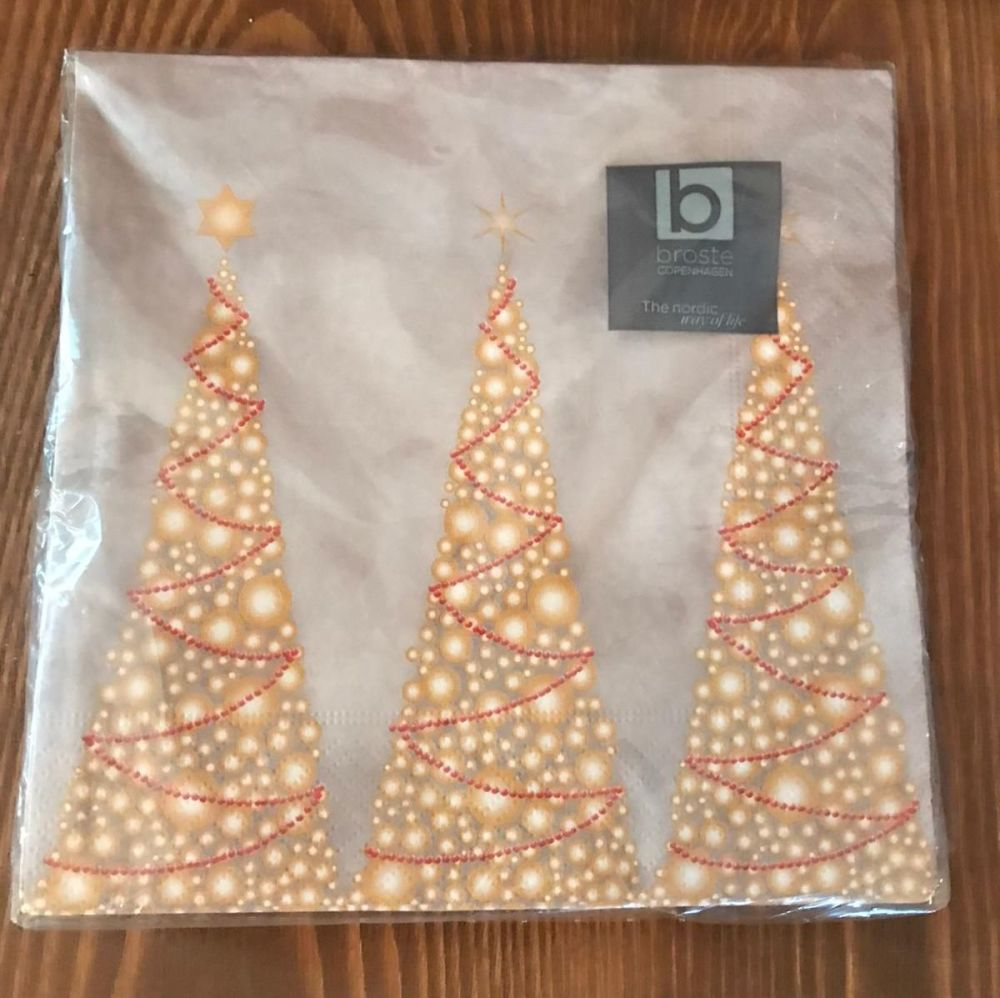 Napkins with Sparkly Christmas Trees