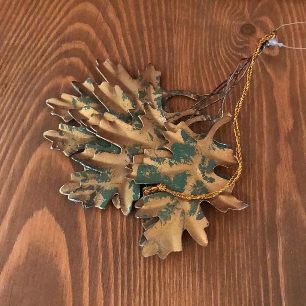 Decorations - Metal Oak Leaves