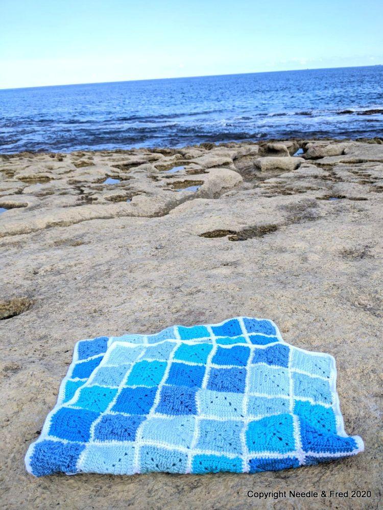 002. Abstract Blanket - Medium