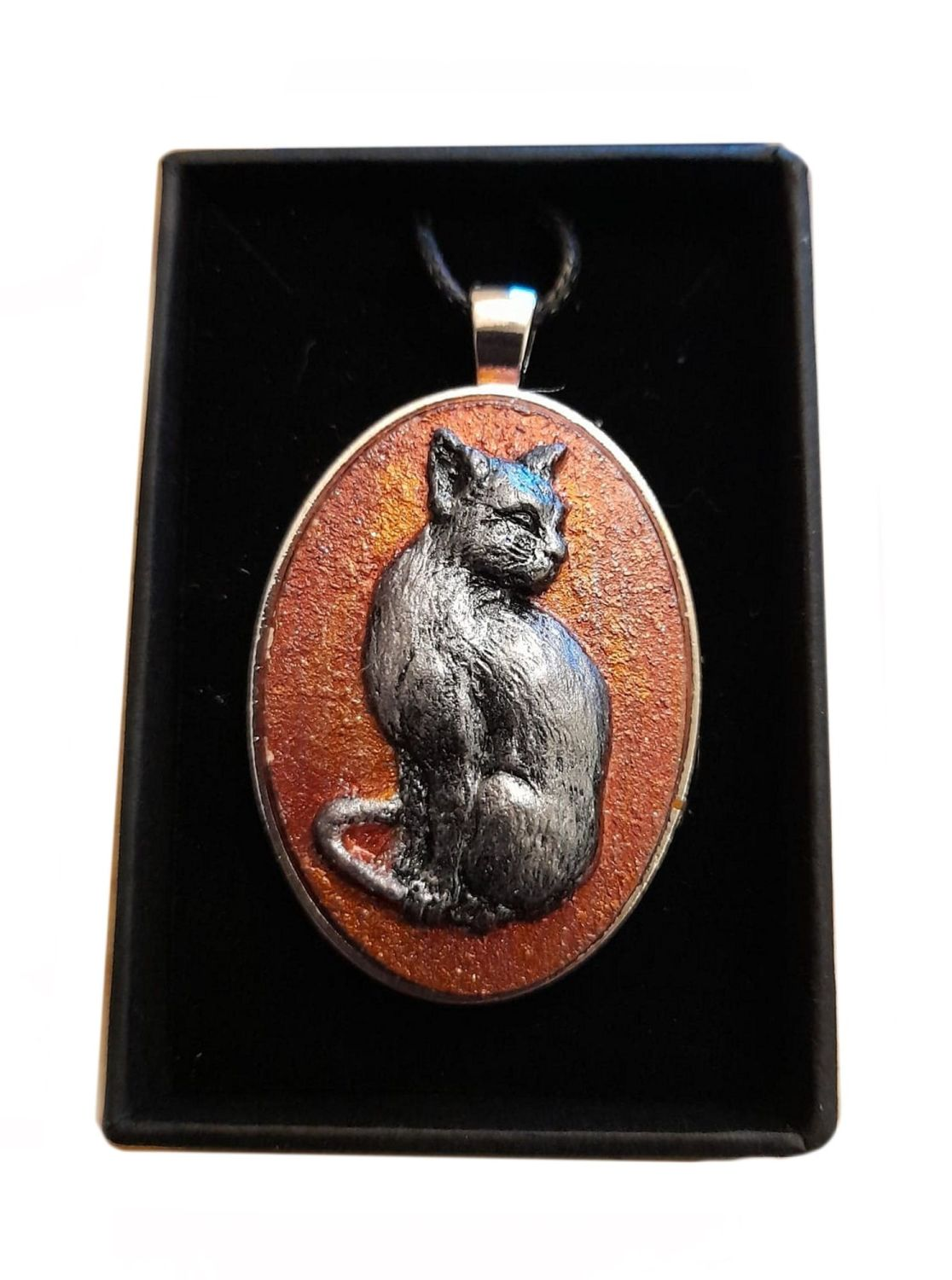 Stonecast Cat Cameo Necklace - CAM01