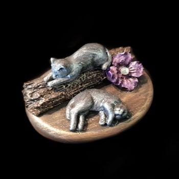 Purrfect Pebbles - 2 Sleeping Kitten, Logs & Purple Gem Flower CMD-027