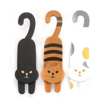 Set of 3 Wooden Cat Pegs
