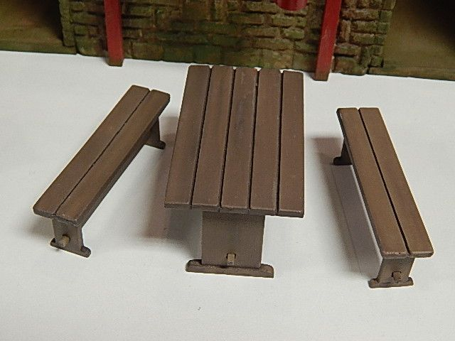 PW39 - Picnic/Pub Table & 2 Benches