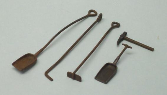 PW69 - Fire Iron Set