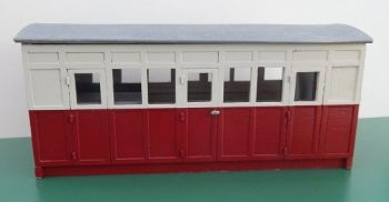 BK003 - Grounded Coach Summerhouse