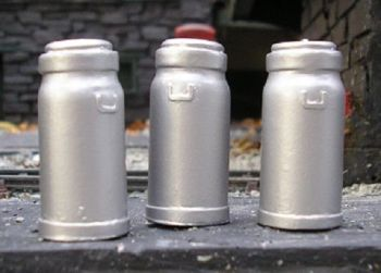 PW01P - Small Milk Churns (3)