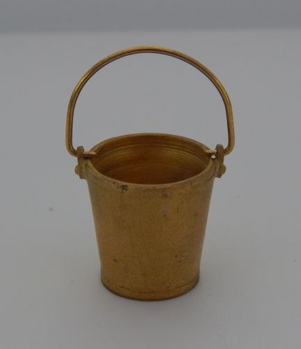 PW68 - Bucket (Brass)